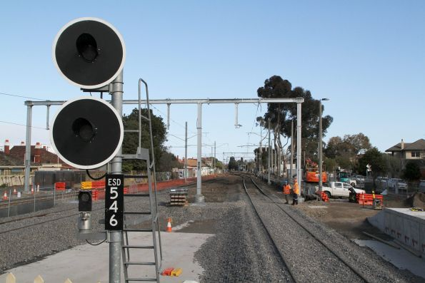 Signal ESD546 yet to be commissioned at the up end of Essendon platform 1
