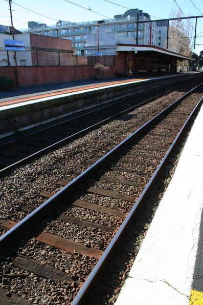 Cracked rail head at Glenferrie