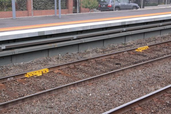 'Temporary' fishplates applied to flawed rail at Ascot Vale