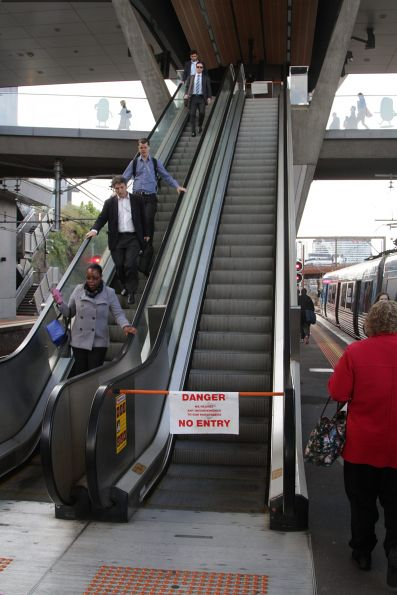Escalator to platform 2/3 at North Melbourne is still out of service