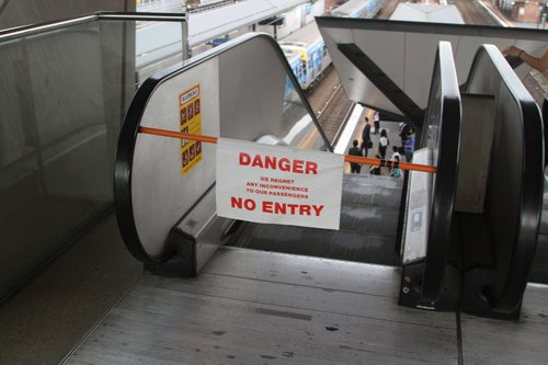 Yet another escalator out of service at North Melbourne platforms 4 and 5