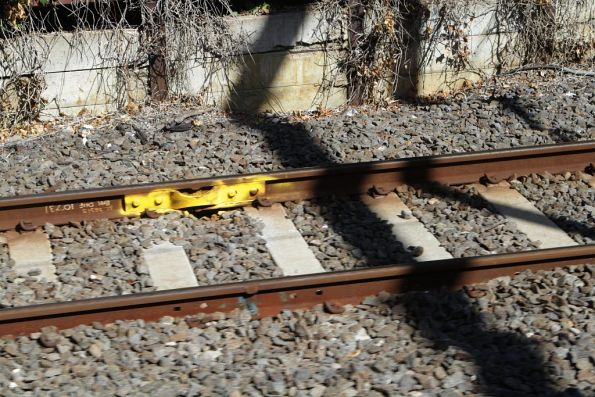 Temporary fishplate attached to a flawed rail joint at Hawthorn