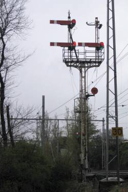 Semaphore signals for the approach to Flemington Racecourse station