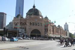 Scaffolding comes down at Flinders Street Station