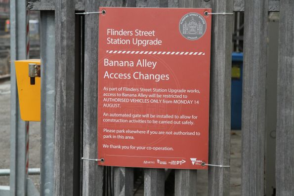Notice of access changes at the Banana Alley car park entrance