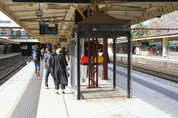Vending machines removed from the west end of Flinders Street platform 8 and 9