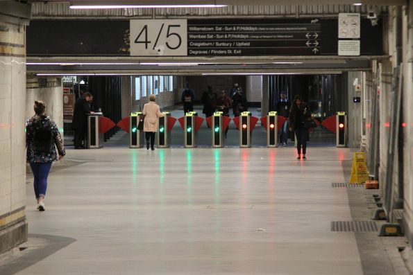 New Vix myki gates installed in the Degraves Street subway