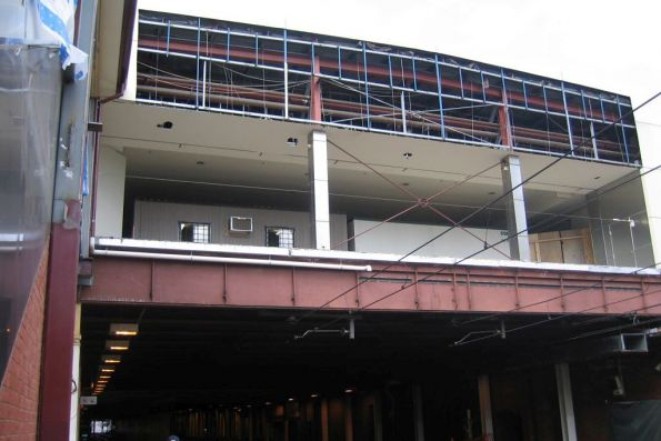 Concourse extensions above platforms 9 and 10 at Finders Street