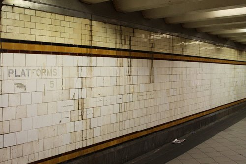 General filth on the walls: Elizabeth Street Subway