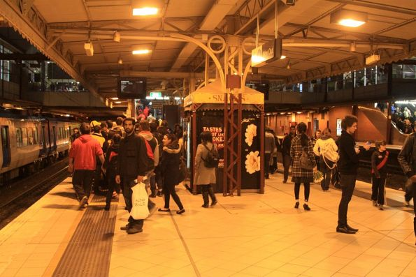 Congestion at the Richmond end of platform 4/5 due to MCG football crowds