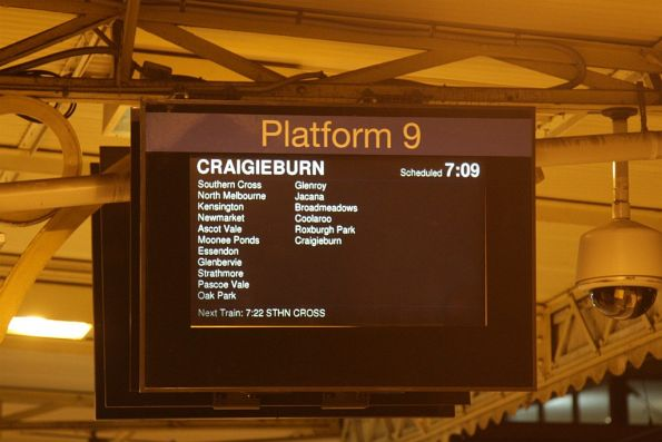 Craigieburn train transposed to Flinders Street platform 9, normally used by Frankston trains