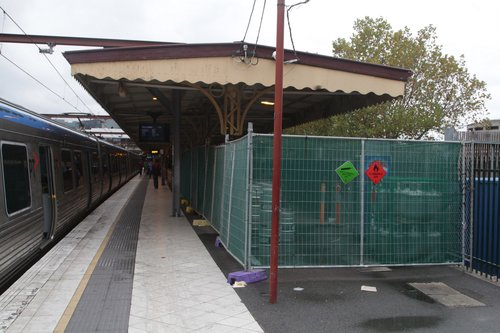 Western end of platform 10 taken over by the new bar as a storage area