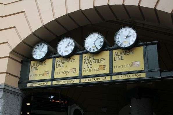 Nothing changed to the Flinders Street Station clocks