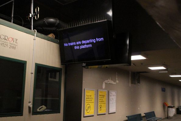'No trains departing this platform' message at Flinders Street platform 14
