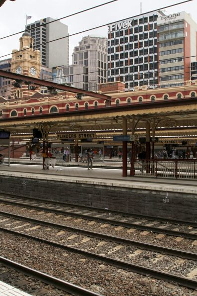 All 10 platforms empty at Flinders Street Station