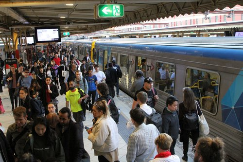 Busy times at Flinders Street platform 6