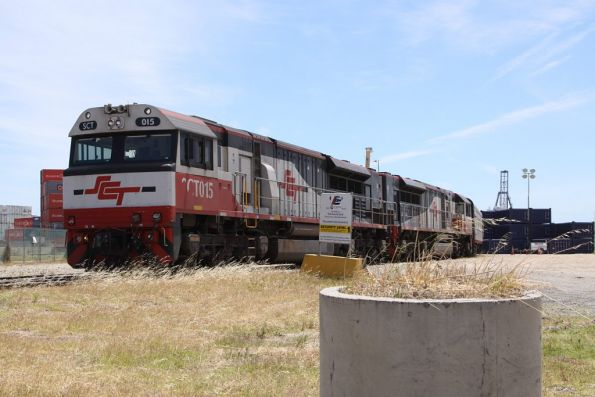 SCT015 and classmate with the SBR ore train, unloading at the DP World sidings at Pelican Point, Port Adelaide