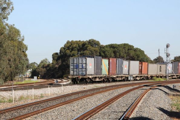 Tail end of the QRN freight, and Torrens Junction is almost clear for the next TransAdelaide service