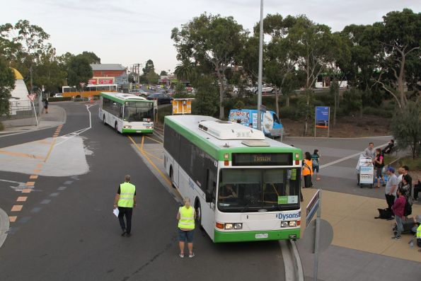 Dysons #430 0951AO drops off citybound passengers at Sunshine station