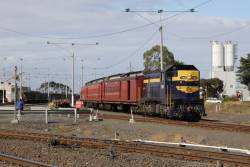 Rolling through North Geelong Yard