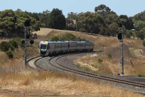 VLocity VL20 leads VL04 towards Moorabool and Ballarat