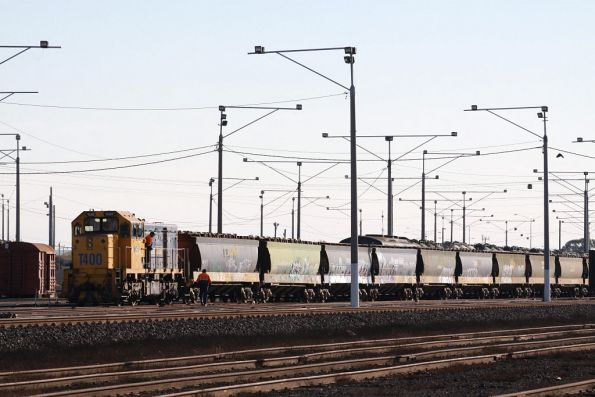 T400 being stabled by the crew, attached to another rake of grain wagons