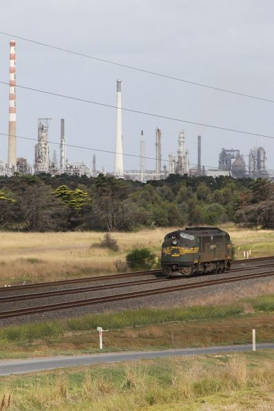 A79 running light engine passes through Corio on the up