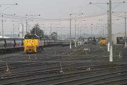 XR554 and T400 stabled at North Geelong Yard