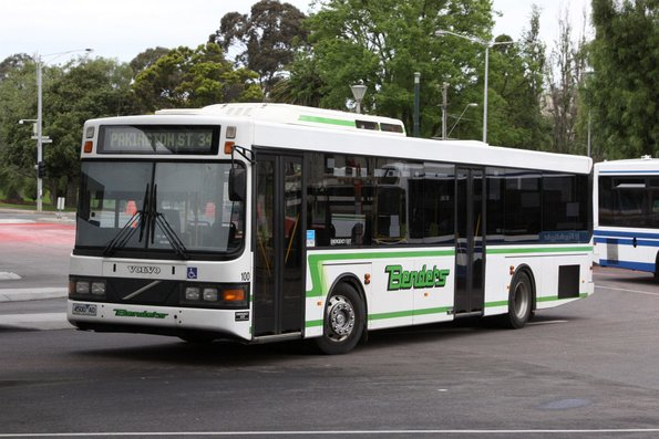 Benders #100 rego 4500AO departs Geelong station on a route 34 service