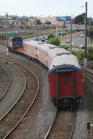 Y129 shunting set FN3 at Geelong