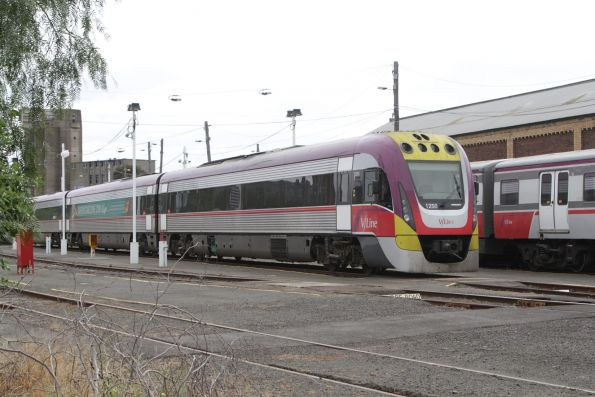 VLocity 3VL50 stabled in the yards at Geelong for the weekend