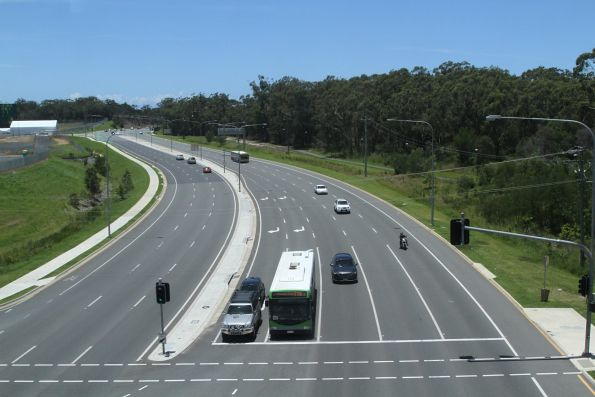 Looking down on the Smith Street Motorway from the light rail bridge
