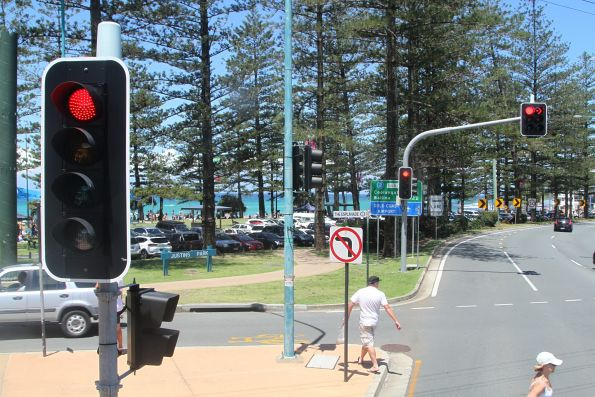 'B' light for southbound buses on the Gold Coast Highway at Burleigh Heads