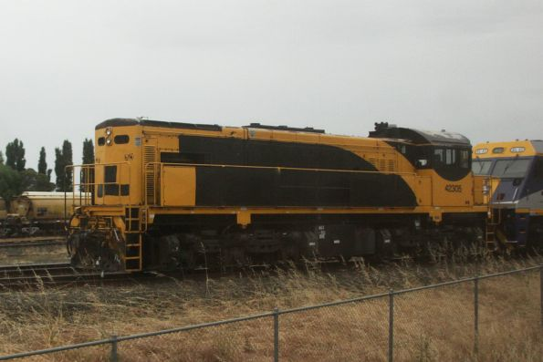 Aurizon locomotive 42305 stored at Goulburn