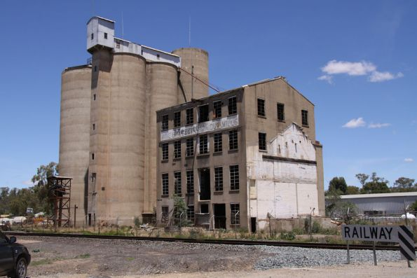 Wise Bros flour mill at Tocumwal