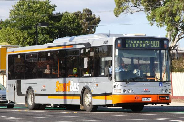 Grenda #8905 rego 6705AO at Epping on the route 901 Smartbus