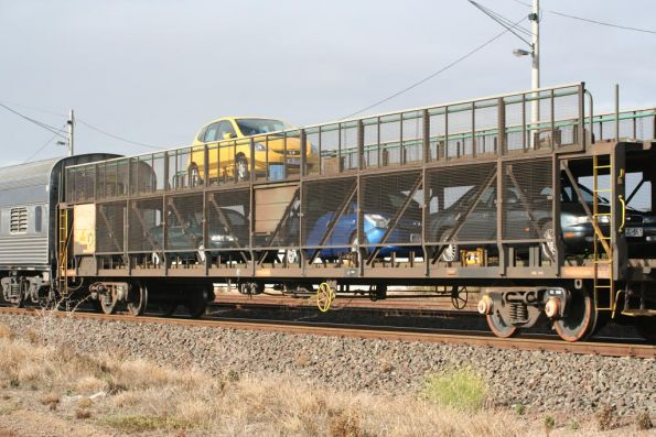 Motorail wagon AMRZ240B loaded with a total of four cars