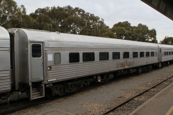 Sitting carriage AG375W at Adelaide Parklands Terminal