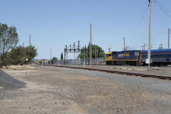 NR104 departs Ararat with the eastbound Overland