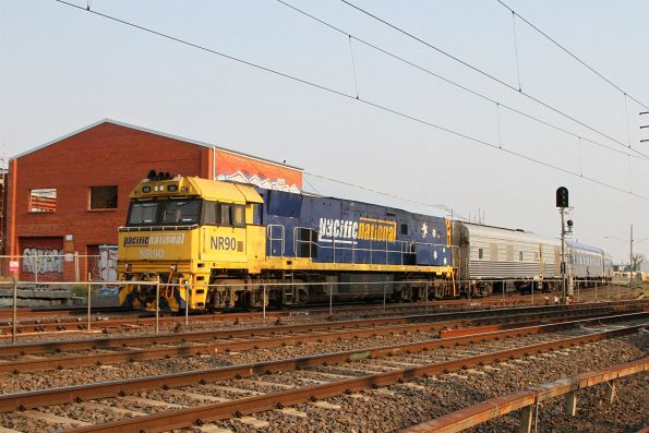 NR90 leads the westbound Overland through Newport