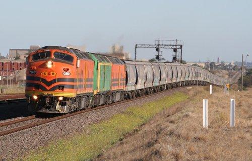CLP17-CLF5-CLP14 on a Melbourne bound grain at Corio