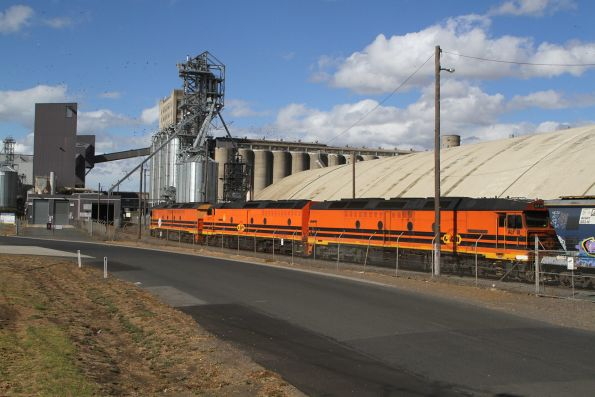 ALF20, CLP17 and ALF18 arrive at the Geelong Grain Loop
