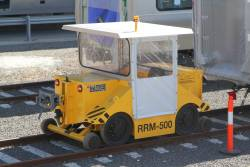 Niteq RRM-500 electric remote control shunter parked between uses