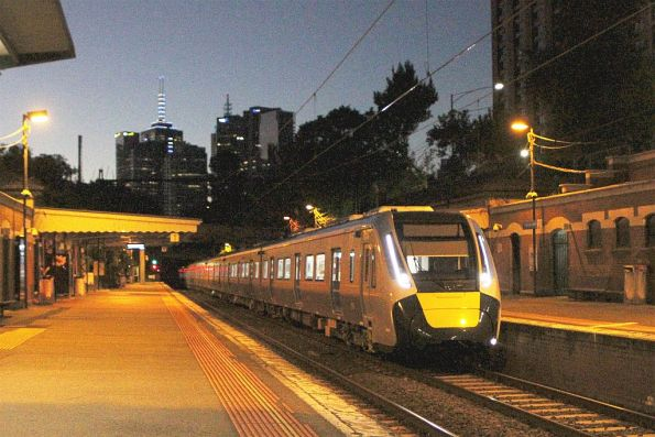 HCMT set 4 passes through Jolimont on the way to Reservoir