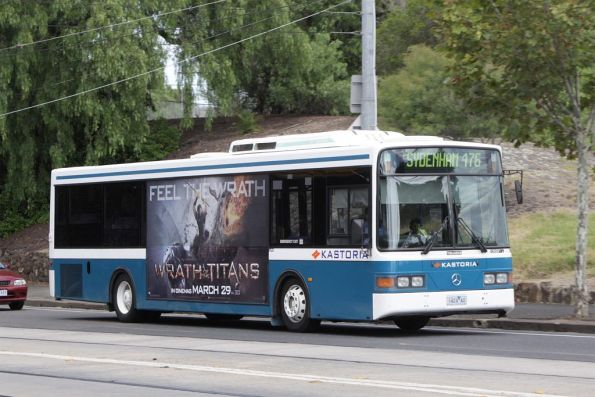 Kastoria Bus Lines 1424AO with a route 476 service on Mt Alexander Road, Essendon