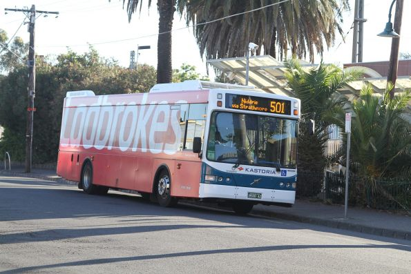 Kastoria bus BS00AZ on route 501 at Essendon station
