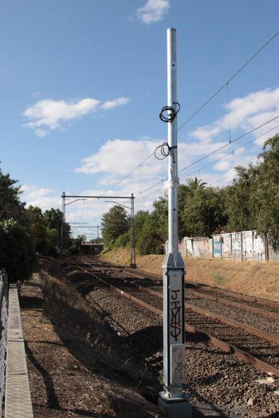 New folding signal base installed at Ascot Vale