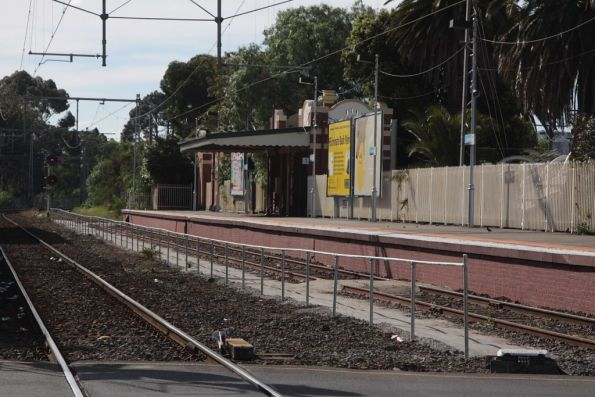 New fencing and driver path in place for terminating trains at Essendon platform 1