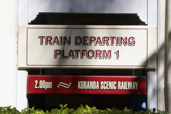 2.00pm train departing from platform 1 at Kuranda station