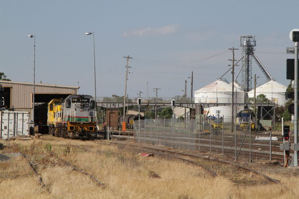 LVR 4702 and SSR liveried classmate 4701 stabled in the depot at Cootamundra